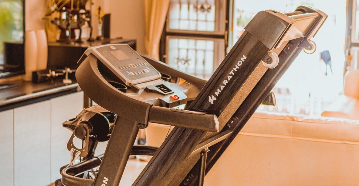 Le top des appareils et équipements de musculation complets qui prennent peu de place en appartement